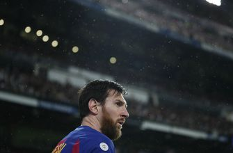Messi says Barcelona players taking 70% pay cut
